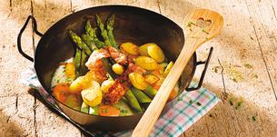 Chřestová pánev s bramborami, špekem a vejci