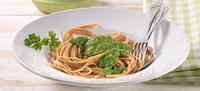 Špagety s mandlovo-petrželovým pestem