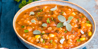 Luštěninová polévka s rajčaty